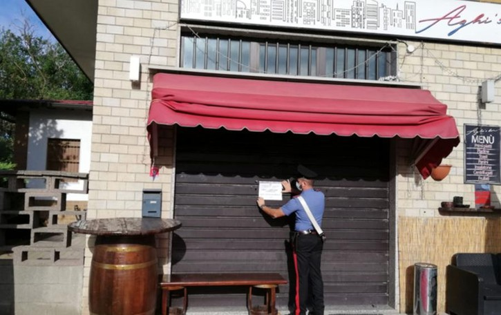 I carabinieri chiudono due bar  a Carugo e Mozzate