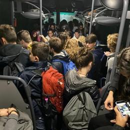 Gravedona, un bus in più per Morbegno  Bella sorpresa per 250 studenti-sardine