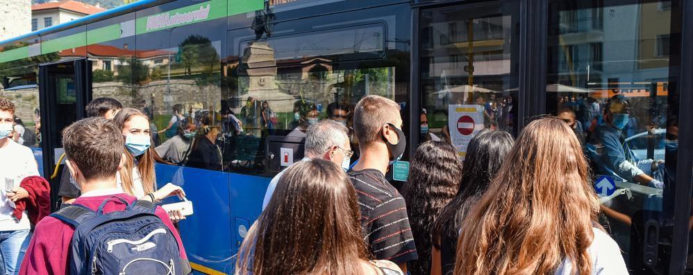 Tanti preferiscono l'auto  E sui bus (per ora) tutto ok