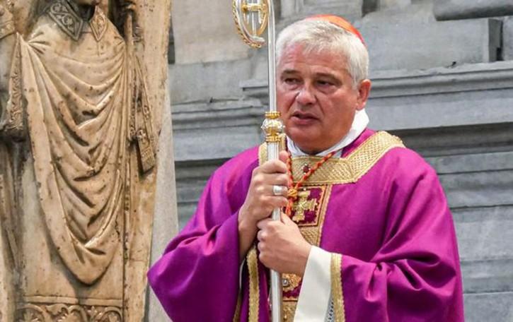 «Vi porto i rosari di Papa Francesco  Uno anche per l'uomo in carcere»