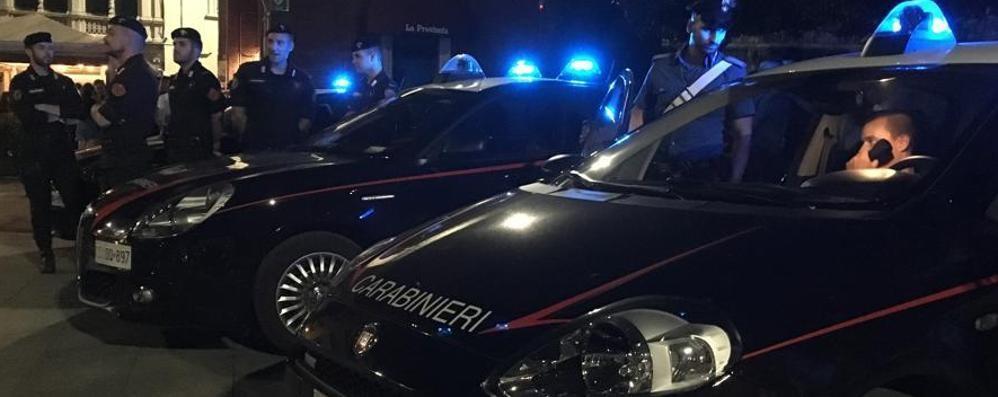Calci e pugni ai carabinieri Arrestati due fratelli a Cantù