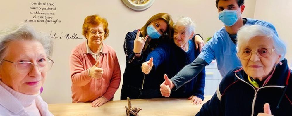 Rsa, nonni scultori  contro il coronavirus