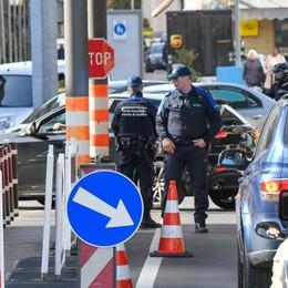 Ticino, la provocazione  «Basta con gli italiani  che vengono a passeggio»