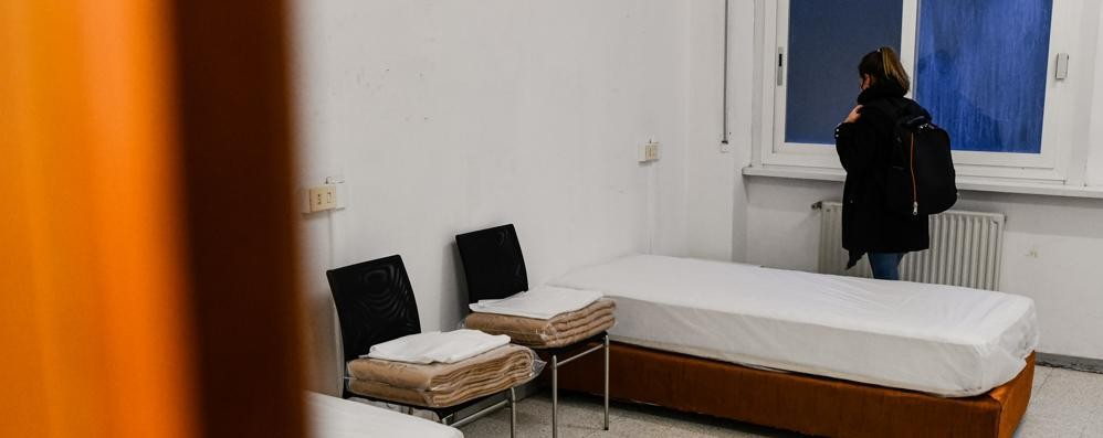 Violenza sessuale su un'ospite  Blitz al dormitorio: arrestato