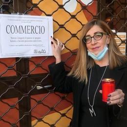 Canzo, la protesta dei commercianti  Appello al governo: «Fateci lavorare»