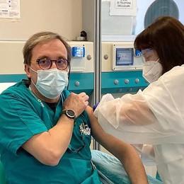 Vaccinazioni, al via la seconda fase  Tutti immunizzati all'ospedale di Erba