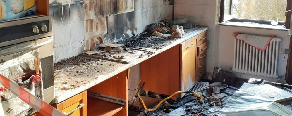 Bulgorello, brucia la casa   Paura per mamma e figlio  ma non si salvano i due gatti