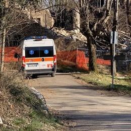 Ciclista cade sul sentiero  Soccorso con l'elicottero