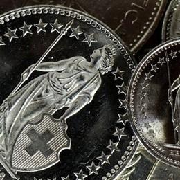 Franco svizzero giù  In fumo il 9%  dello stipendio