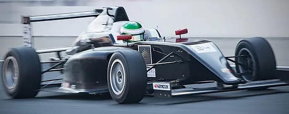 Scuderia made in Erba batte i colossi  L'impresa negli Emirati di Trulli junior