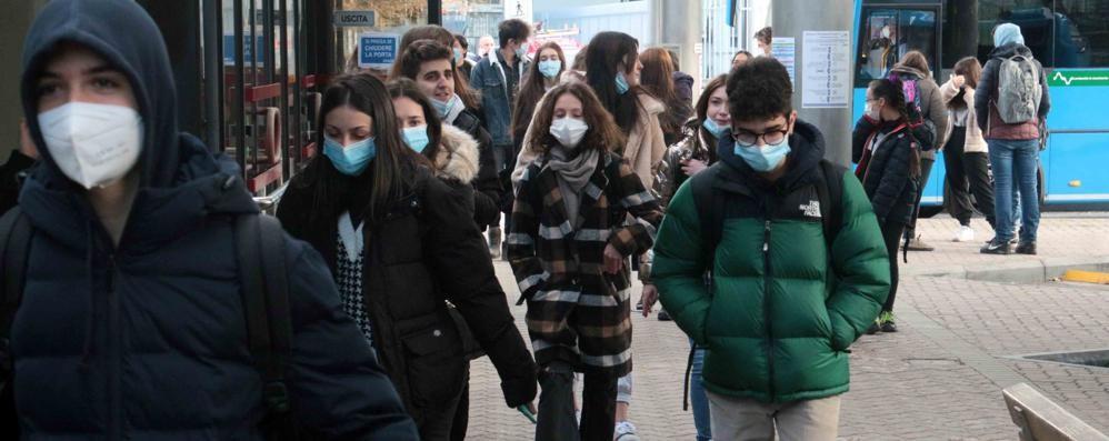 Scuole, 1700 casi in una settimana  Le quarantene sono aumentate del 45%