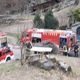 Si incendia il capanno  Indagano i carabinieri