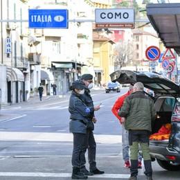 Ticino, provocazione  contro i frontalieri  «Stop ai permessi»