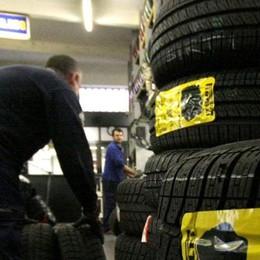 Burocrazia, che fatica  Per avviare un'officina  servono 86 permessi