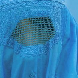 Burqa vietato nei luoghi pubblici  In Svizzera dopo il sì al referendum