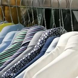 Como, crisi lavanderie  «Sempre aperte,  ma crollo di lavoro»