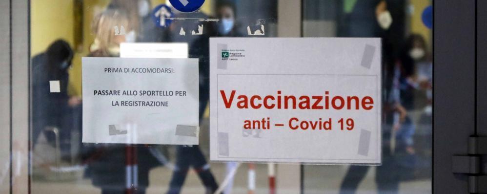 Covid: 105 casi a Como,  70 a Sondrio e 66 a Lecco  In crescita in Lombardia  il rapporto di positività