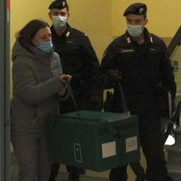San Siro: tre ore in auto per il vaccino  Hanno 90 anni, andranno a Como