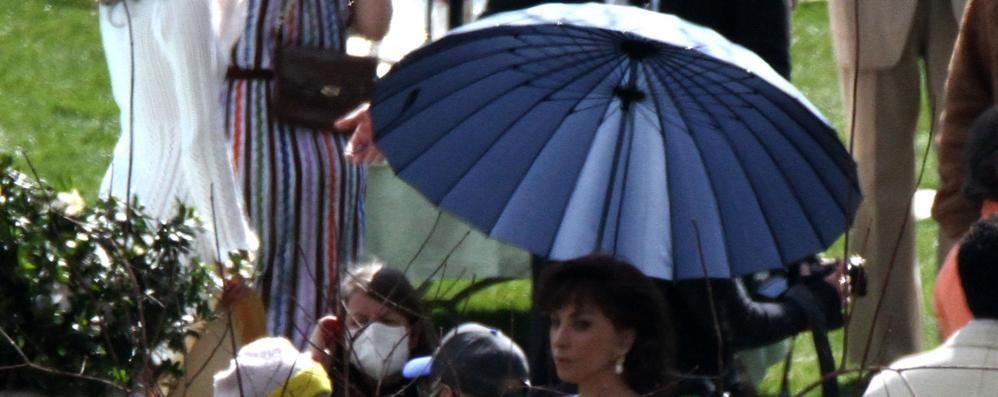 """Tremezzina, Lady Gaga a Villa Balbiano  Ma il vento rovina le riprese di """"Gucci"""""""