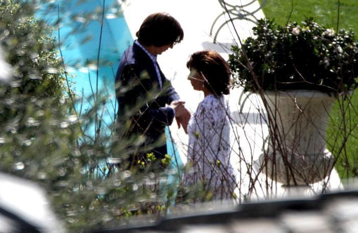 Adam Driver-Maurizio Gucci sembra avere fretta con Lady Gaga-Patrizia Reggiani nella scena a bordo piscina di Villa Balbiano
