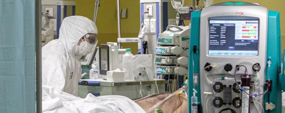 Virus, nuovo allarme in provincia  Ricoveri in aumento e altri 229 contagiati