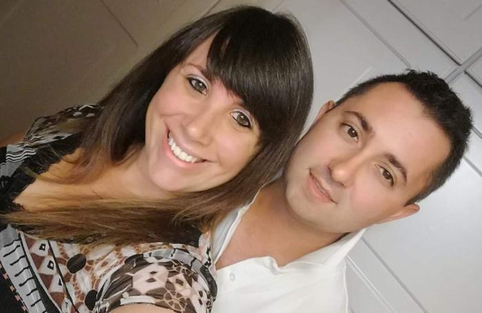 Un  selfie di Laura con Mattia quando la malattia era ancora lontana