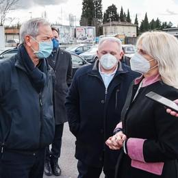 Bertolaso contro Como  «Vaccini a piazza d'Armi?  Un luogo che fa schifo»