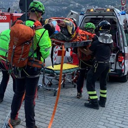 Carate Urio, trascorre la notte al gelo   Paura per l'escursionista ferito