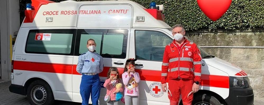 Il grande cuore di Giulia e Vittoria  Vendono i giochi per aiutare  i poveri