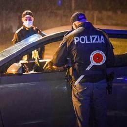 Spacciatori traditi dalla fame  Due arresti a San Fermo