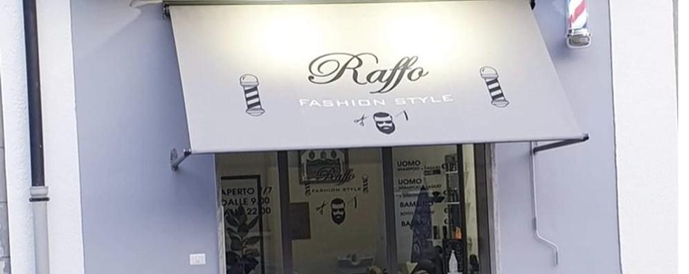 Sfasciano il barbiere con una mazza  Rissa e due feriti a Rovellasca