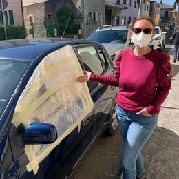 Erba, caccia al vandalo delle auto  Almeno 15 i veicoli danneggiati