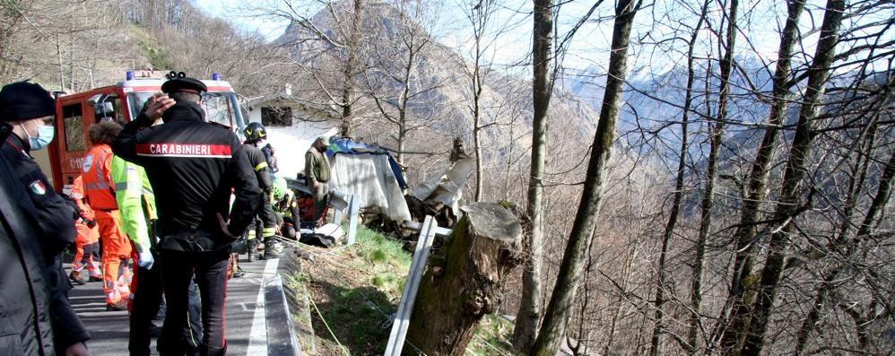 San Nazzaro, nel dirupo per 100 metri  L'uomo morto forse colpito da un malore