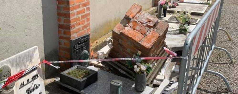 Figino, urta il muro del cimitero  Capitello distrugge tre tombe di bimbi
