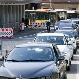 Il Ticino vuole riaprire  Cinquemila frontalieri  cercano un nuovo lavoro