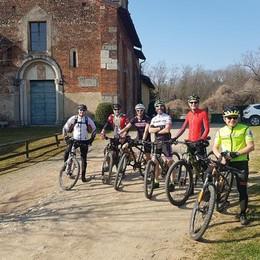 In bici con i turisti  La startup  dei tour sul lago di Como