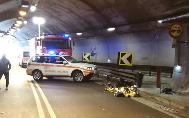 Incidente in galleria a Dongo:  muore motociclista di 47 anni