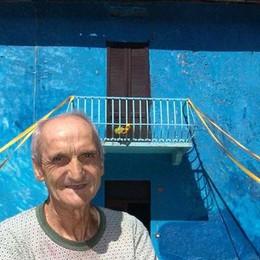 """Lasnigo, muore nella """"casa blu""""  Non lo vedevano da due giorniú"""