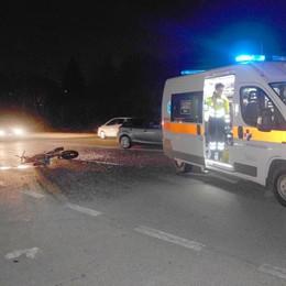 Lurago, scontro con un'auto  Paura per due giovani in moto