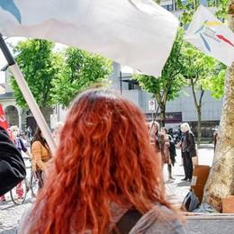 Processo agli skinheads di nuovo rinviato  La sinistra comasca scende in piazza