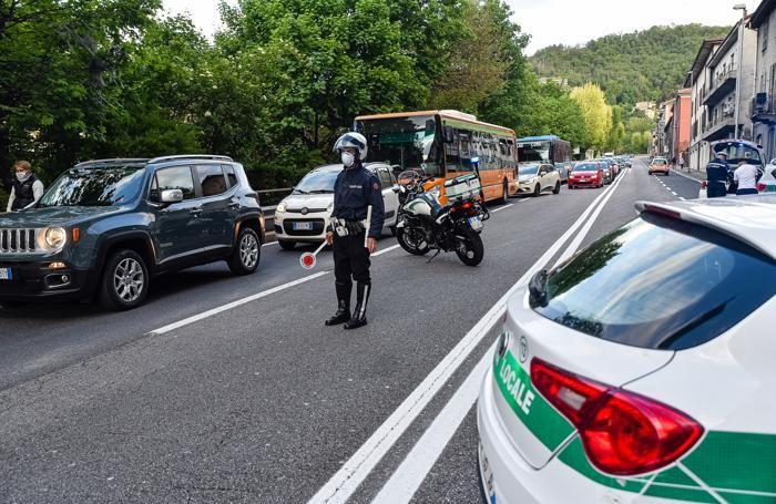 Traffico a rilento in via Napoleona