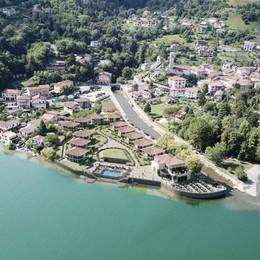 Claino con Osteno: villette e piscina  al posto dell'ex campeggio sul Ceresio