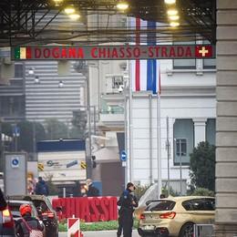 Riaprire la frontiera  tra Italia e Svizzera  Voto ok ma non cambia nulla