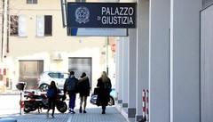 """Ricatti """"hard"""" a bancario del Canturino  Chiusa l'inchiesta, subito a processo"""