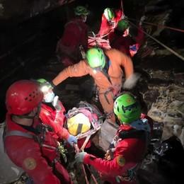 Zelbio, soccorso nella grotta Tacchi  È un'esercitazione degli speleo