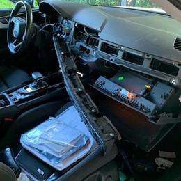 Merone, ladri di navigatori  Ecco come riducono le auto