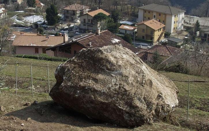 Caslino d'Erba, in 205 per i lavori anti frana  Vince impresa di Isola Capo Rizzuto