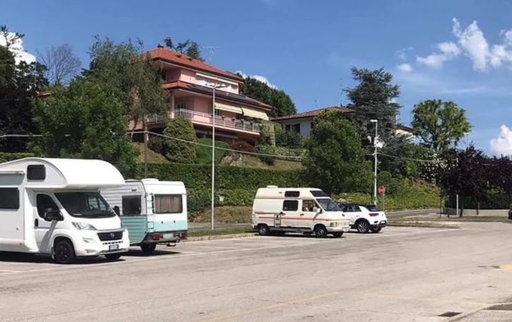 Caso a Longone:  vietato giocare   a calcio in strada