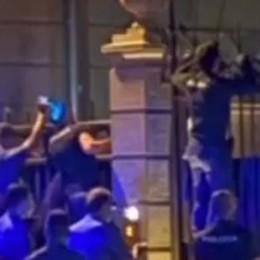 Cernobbio, maxi festa in una villa  I carabinieri devono scavalcare i cancelli