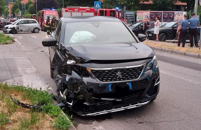 Inverigo, incidente stradale in via General cantore